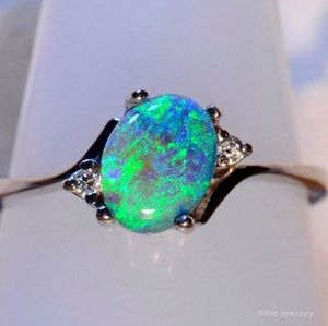 Jewelry - GORGEOUS MYSTIC GREEN/BLUE w/CZ ACCENTS IN SILVER